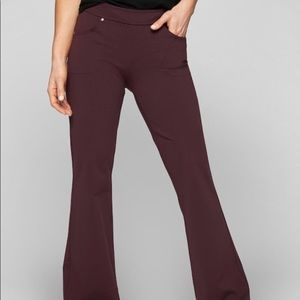 Athleta classic pant Bettona cassis size small